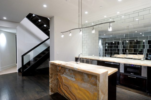 17 Marvelous Interior Designs With Dramatic Mirrors