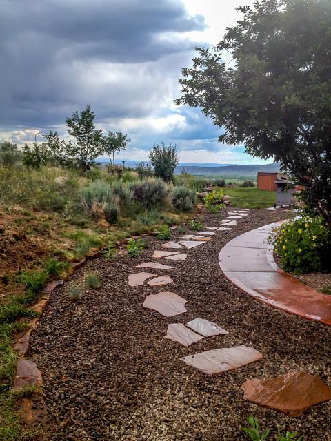 18 Creative Garden Path Ideas That You Can Easily Make