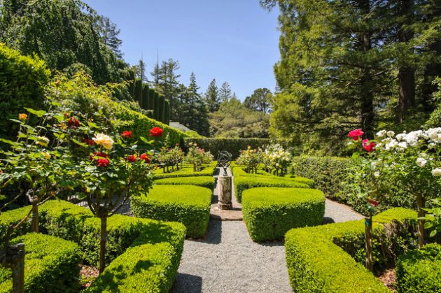 20 Majestic Formal Gardens That Will Leave You Speechless