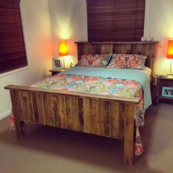 23 Really Fascinating DIY Pallet Bed Designs That Everyone ... on Pallet Bedroom Design  id=59404