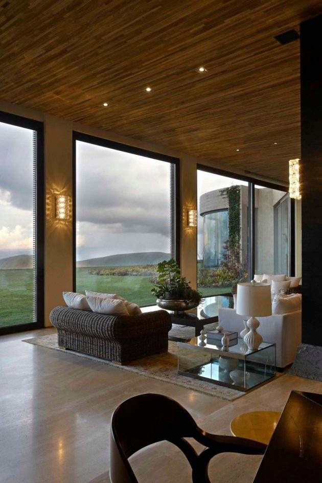 20 Spectacular Interiors With Floor-To-Ceiling Windows That Offer Incredible Views