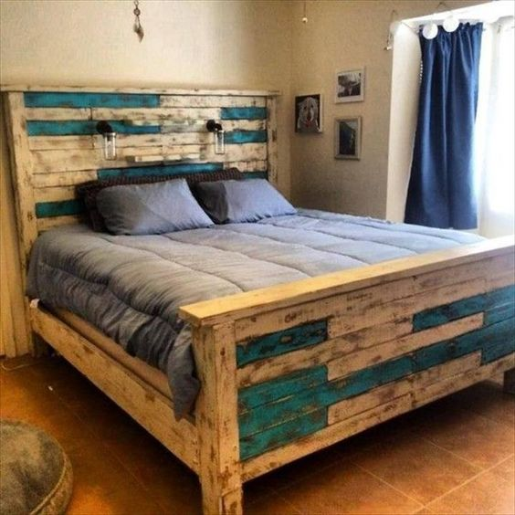 23 Really Fascinating DIY Pallet Bed Designs That Everyone ... on Pallet Bed Design  id=74718
