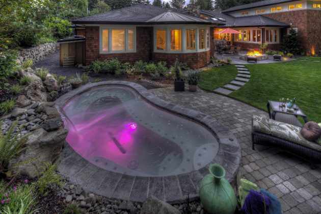 17 Fascinating Outdoor Jacuzzi Designs That Will Take Your Breath Away
