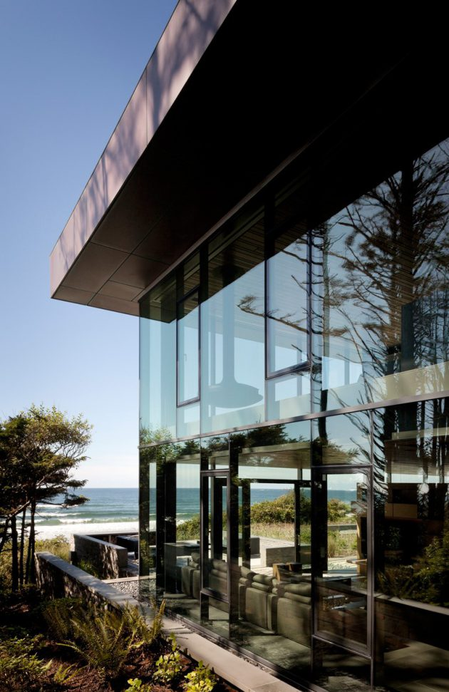 Finley Beach House - A Transparent Beachfront Residence By Bora Architects In Oregon