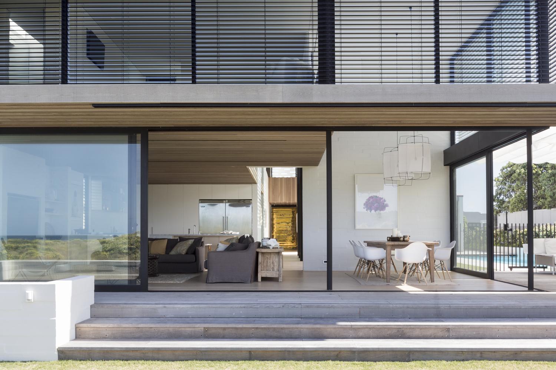 Tuatua house in new zealand by julian guthrie for Casa minimalista tenerife