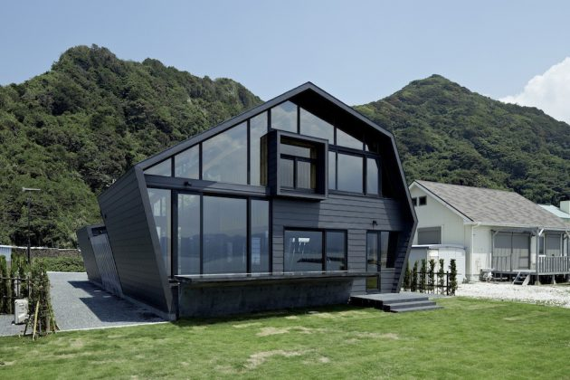 Villa SSK by Takeshi Hirobe Architects in Chiba, Japan