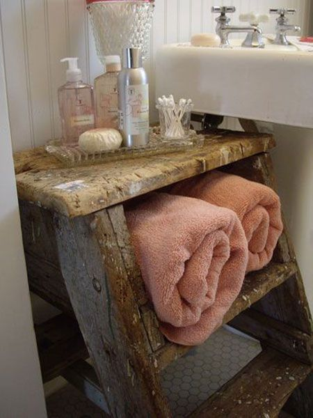 20 Really Inspiring DIY Towel Storage Ideas For Every Small Bathroom