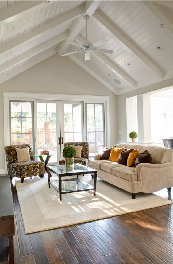 & 17 Charming Living Room Designs With Vaulted Ceiling