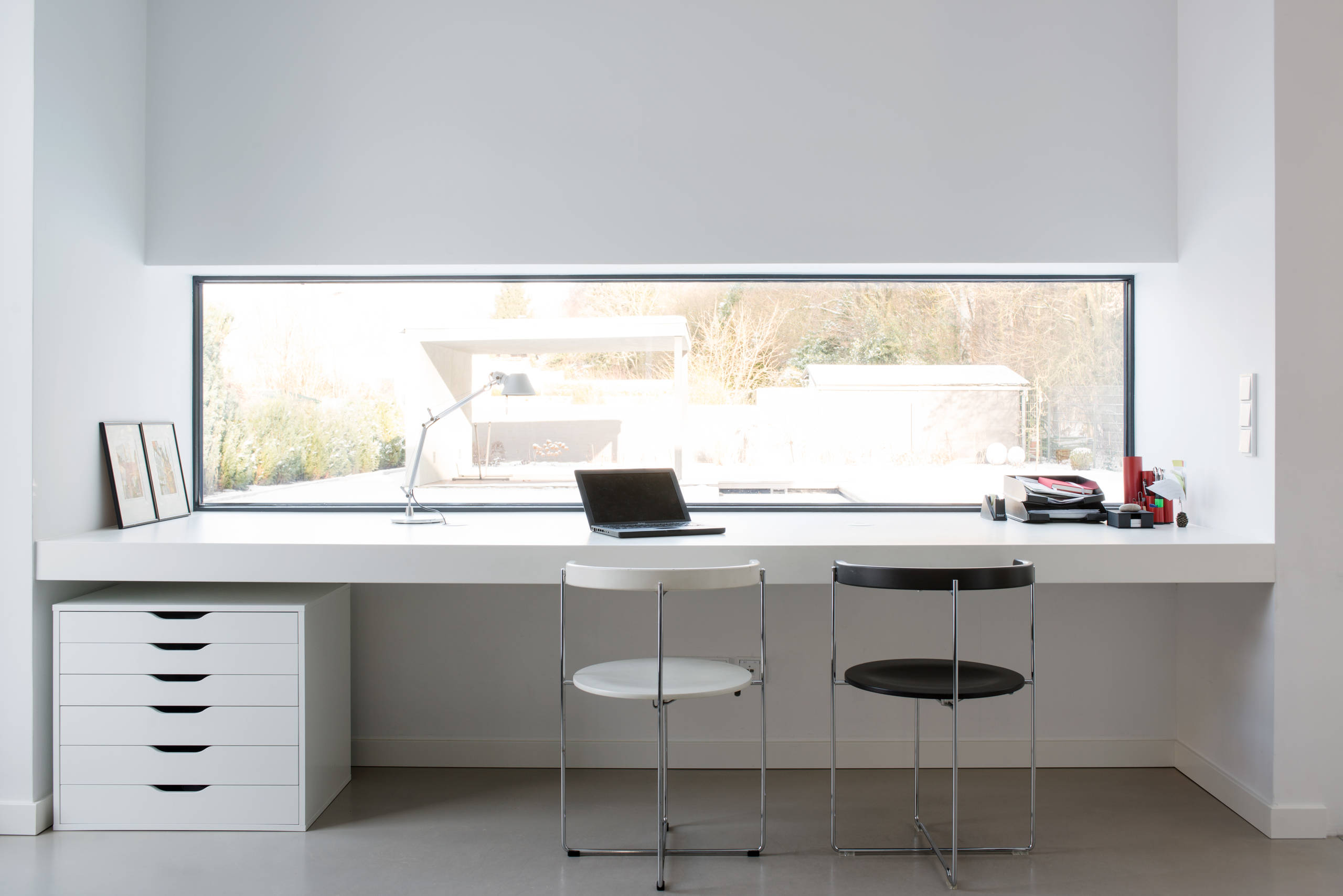 16 stimulating modern home office designs that will boost for Modern home furniture