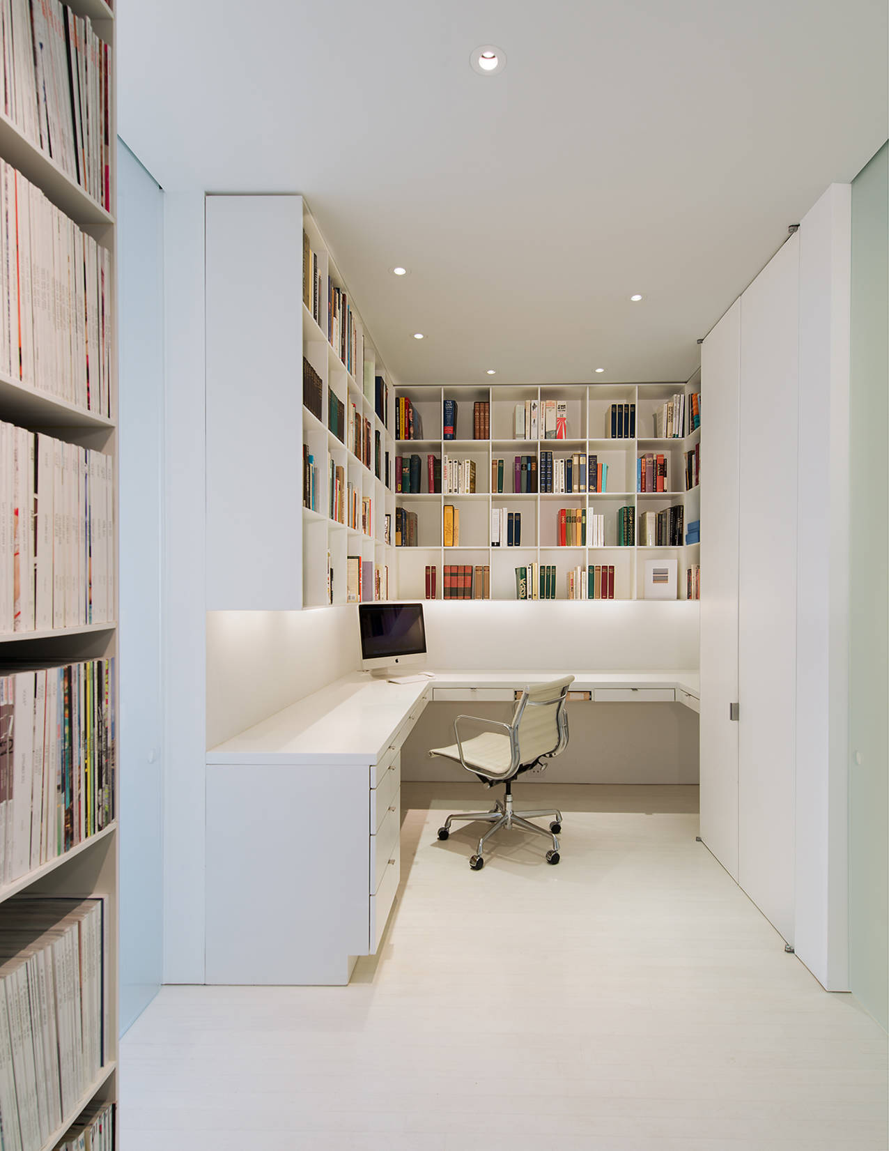 Great 16 Stimulating Modern Home Office Designs That Will Boost Your Motivation