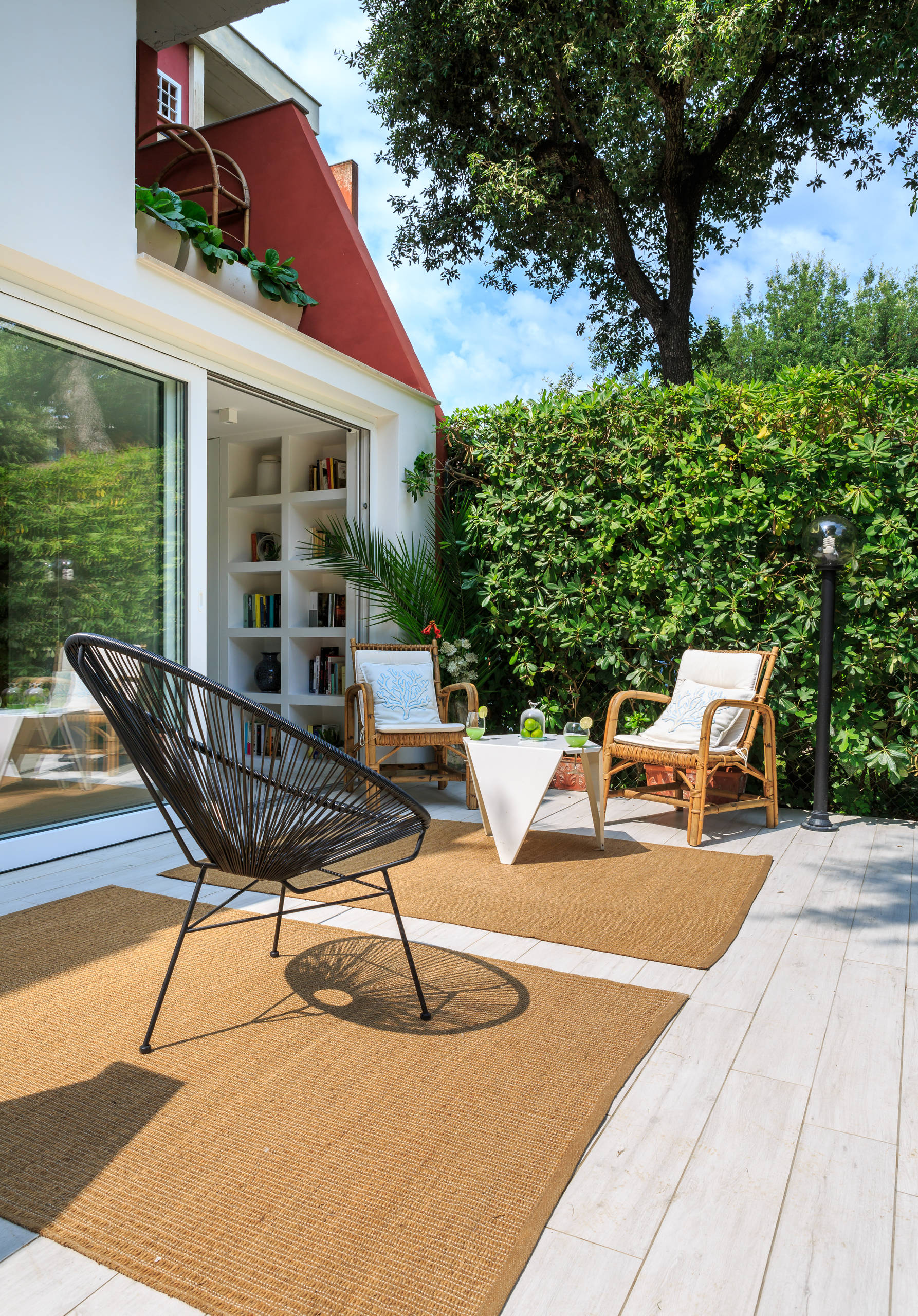 7 Stunning Home Extension Ideas: 16 Stunning Modern Deck Designs That Will Extend Your Home