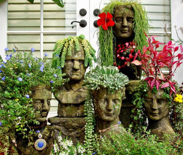 23 Extremely Interesting DIY Garden Decorations That Anyone Can Do