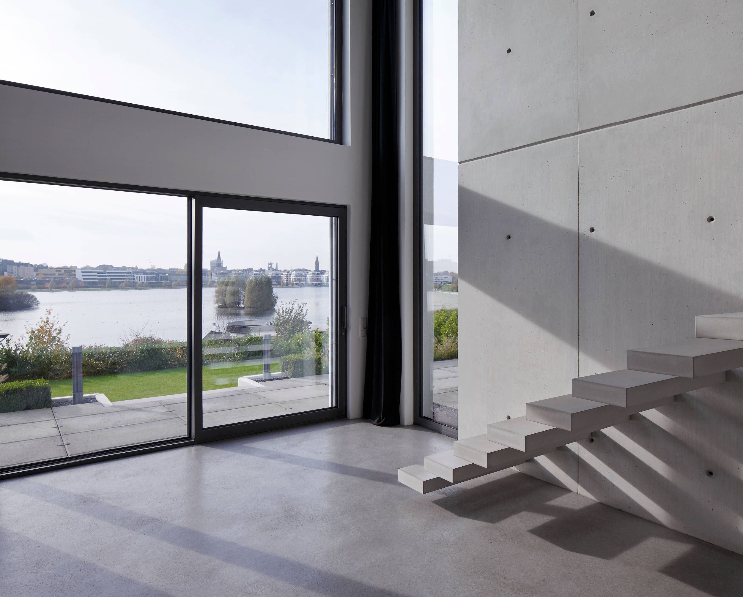 20 astonishing modern staircase designs you 39 ll instantly for Haus design