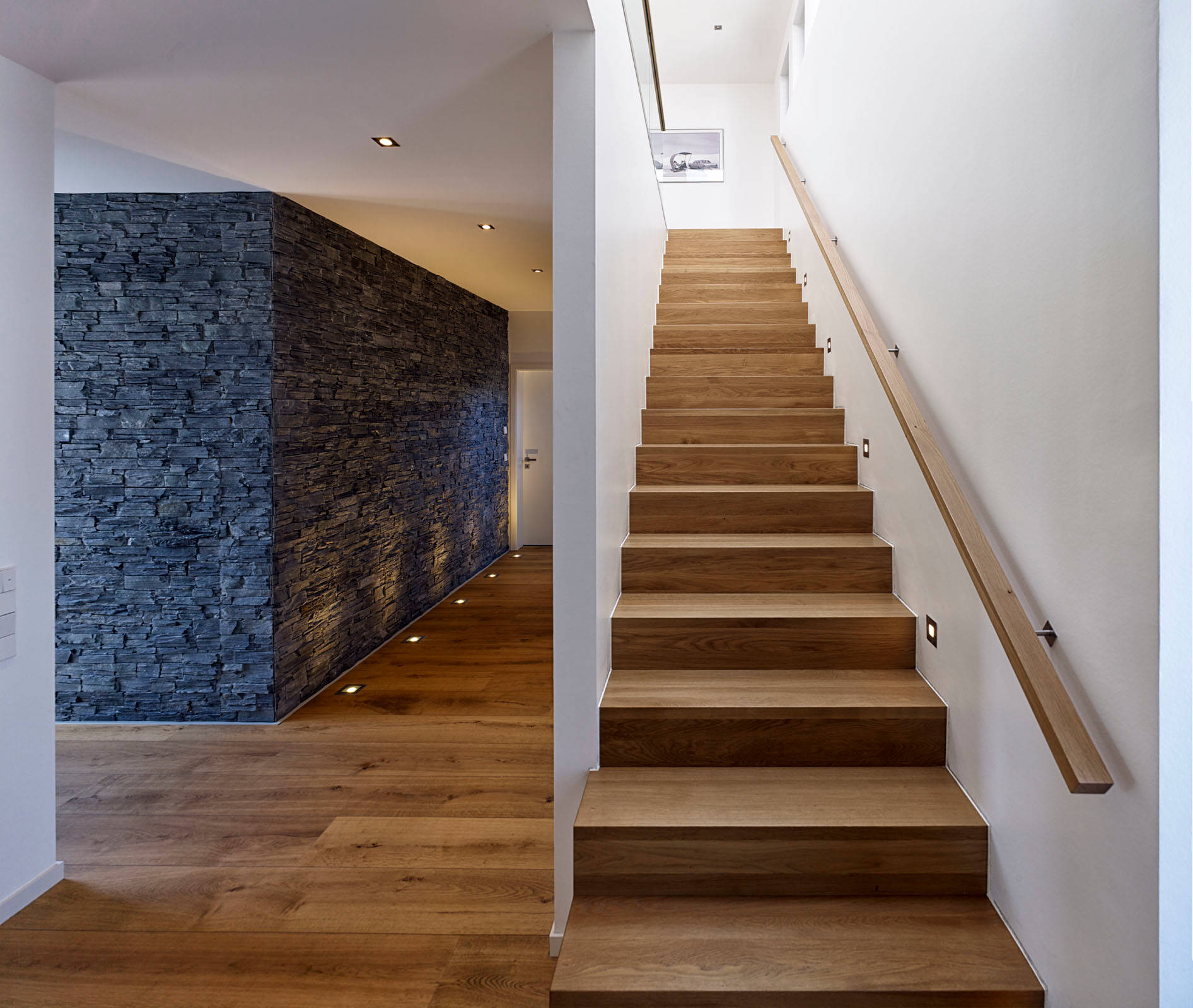20 Remarkable Modern Hallway Designs That Will Inspire You: 20 Astonishing Modern Staircase Designs You'll Instantly