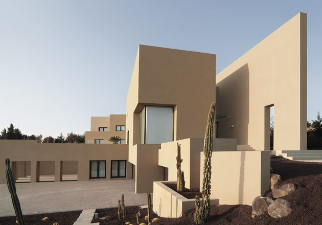 A Modern Masterpiece   The Abu Samra House by Symbiosis Designs LTD In Jordan