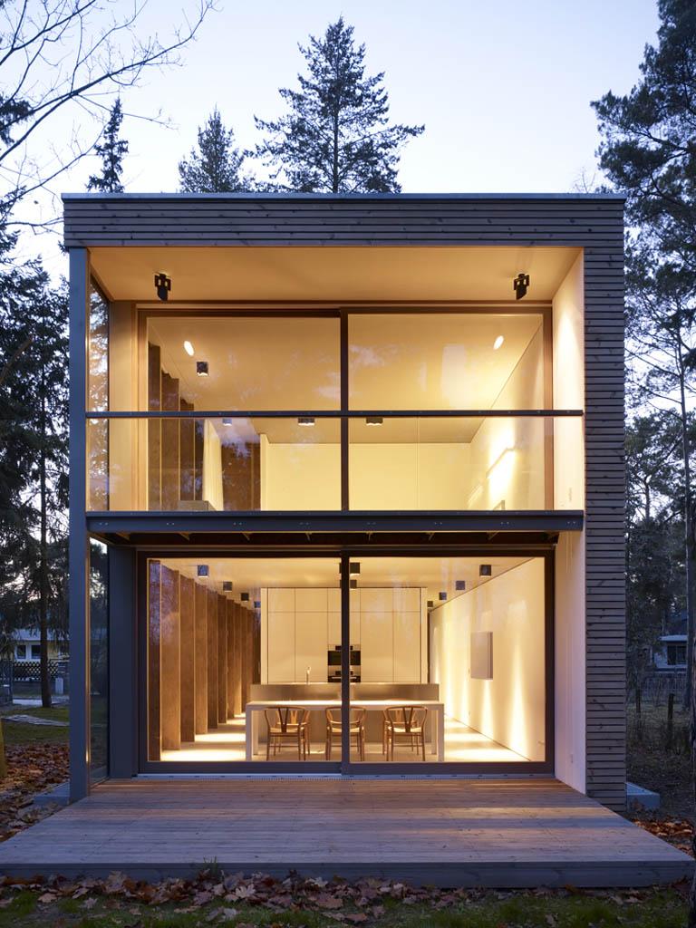 the minimum house by scheidt kasprusch architekten in. Black Bedroom Furniture Sets. Home Design Ideas