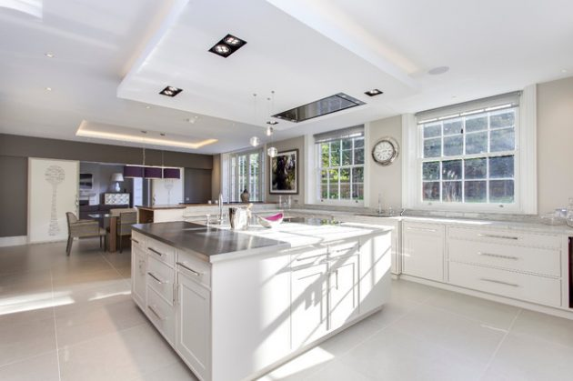 16 Irreplaceable White Kitchen Designs That Abound With Serenity & Elegance