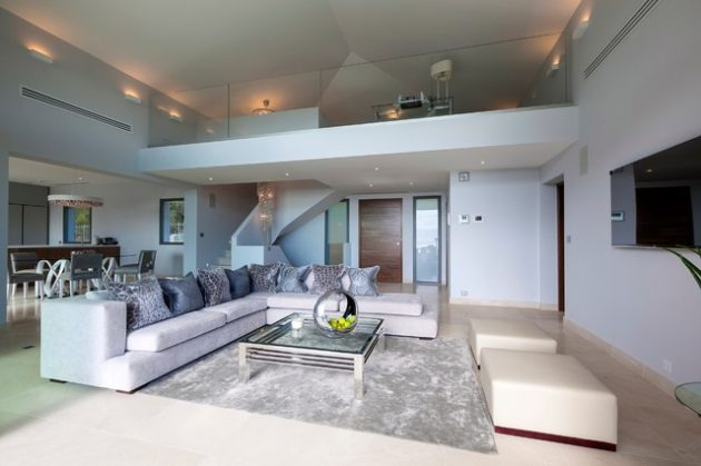 15 interesting mezzanine living room designs that will for Plan maison californienne