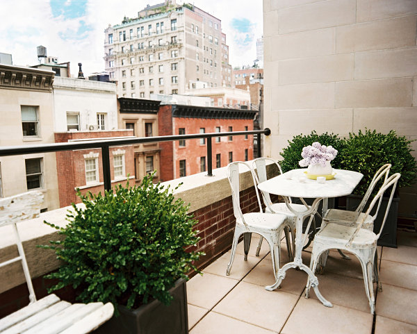 18 Charming Balcony Dining Room Designs For Better Summer Enjoyment