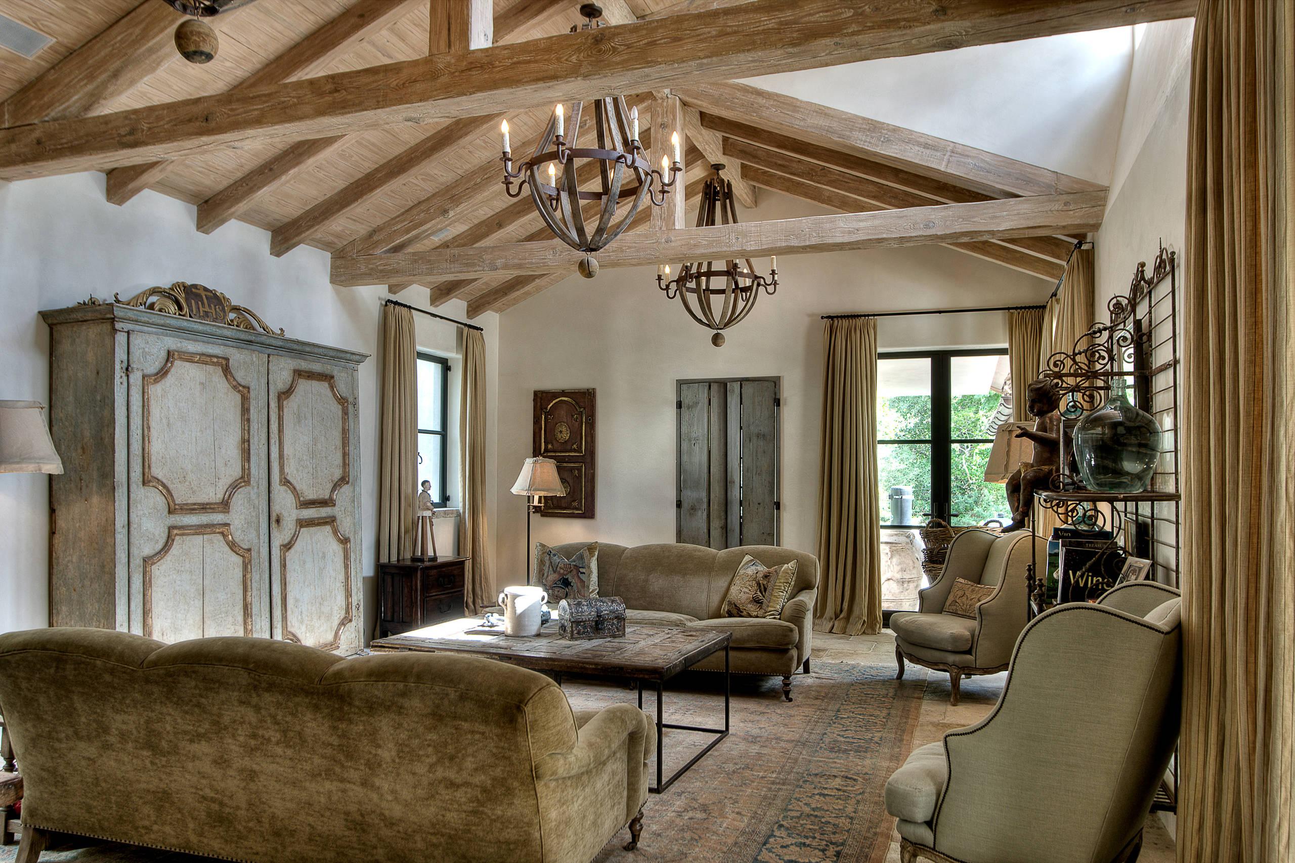 15 Beautiful Mediterranean Living Room Designs You Ll Love