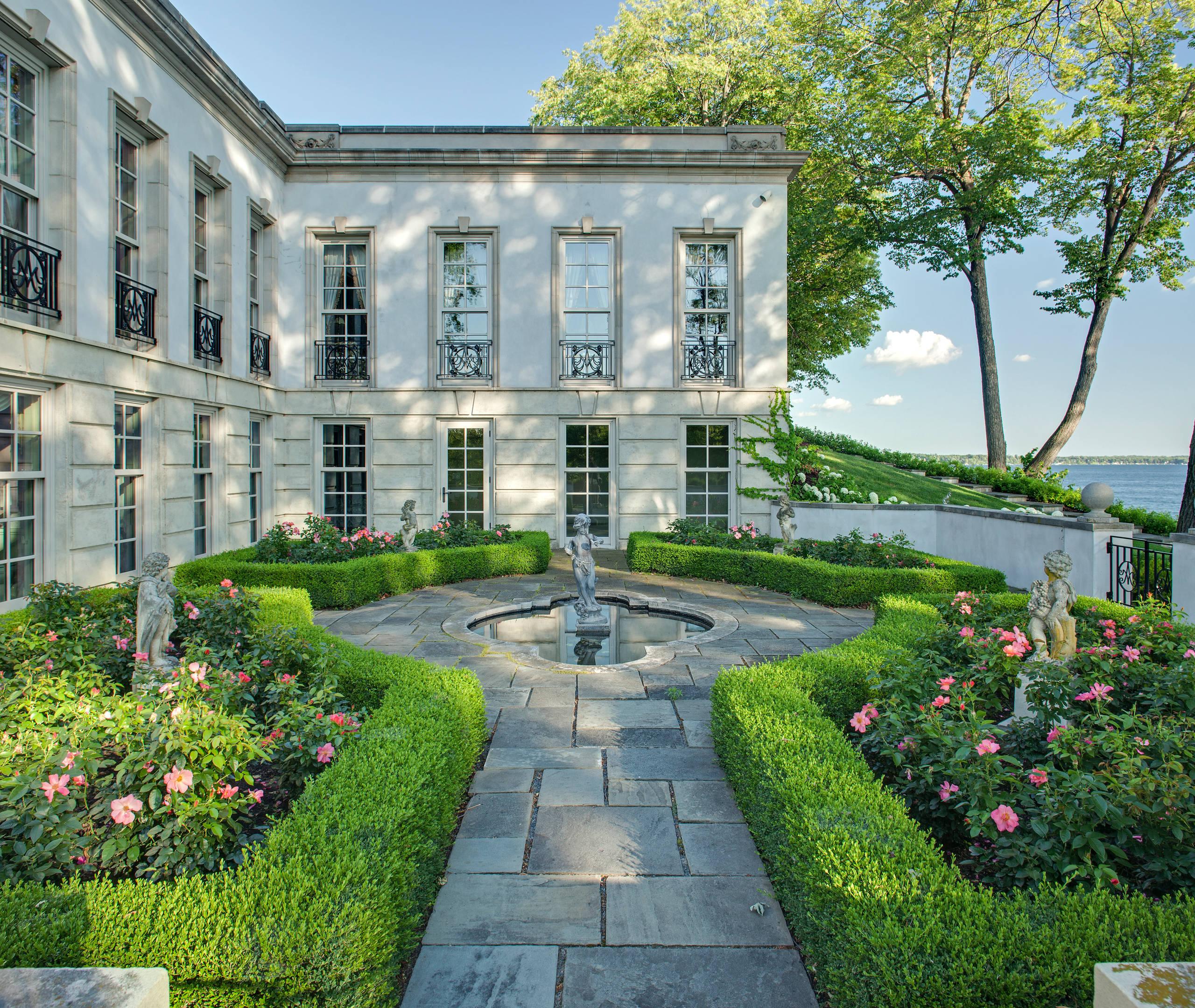 Landscape Garden Design: 15 Refreshing Mediterranean Landscape Designs For A