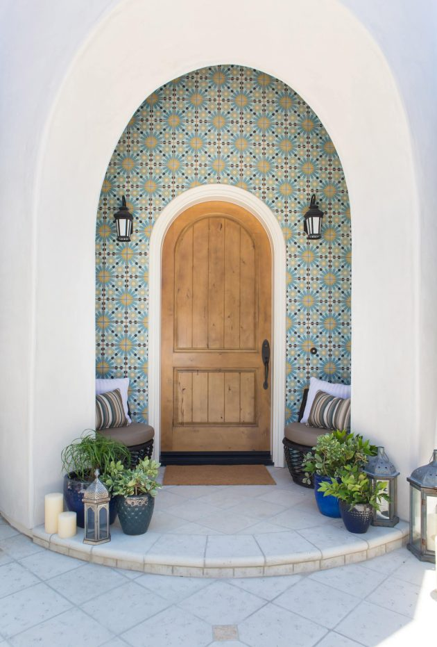 16 tempting mediterranean entrance designs that will stun you for Mediterranean interior doors