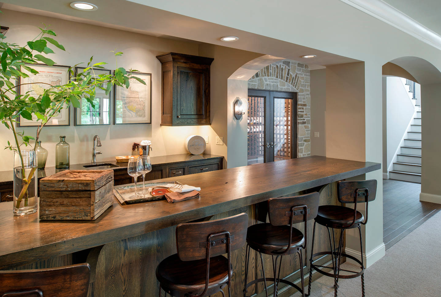 18 seductive mediterranean home bar designs for leisure in for New home construction designs