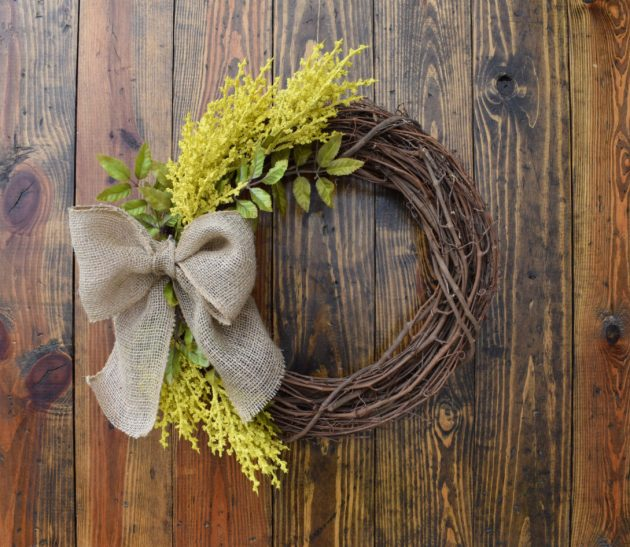 18 Whimsy Handmade Summer Wreath Designs For A Fun Welcome To Your Home