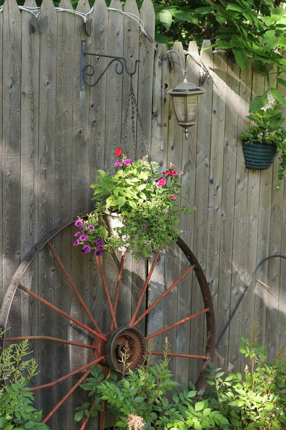 Really Inspiring Repurposing Ideas For Vintage Garden