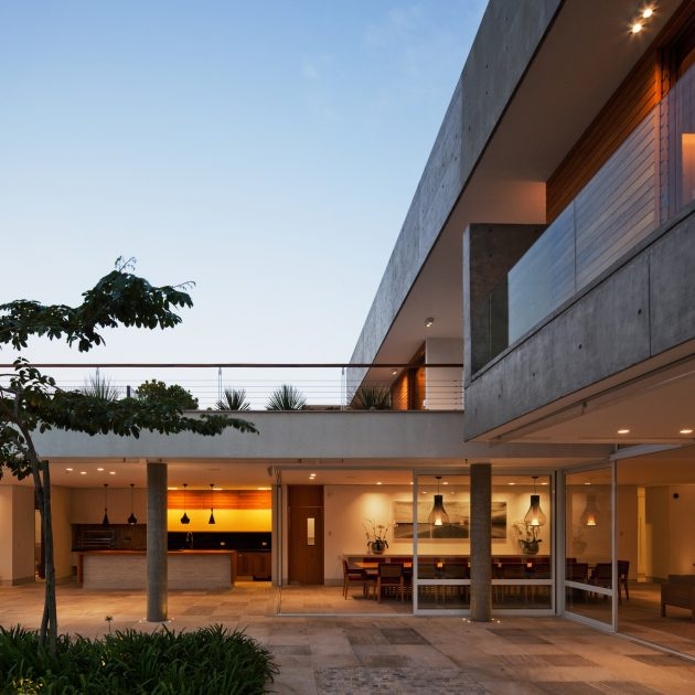 The FG Residence by RMAA in Brazil Is A Contemporary Hideaway