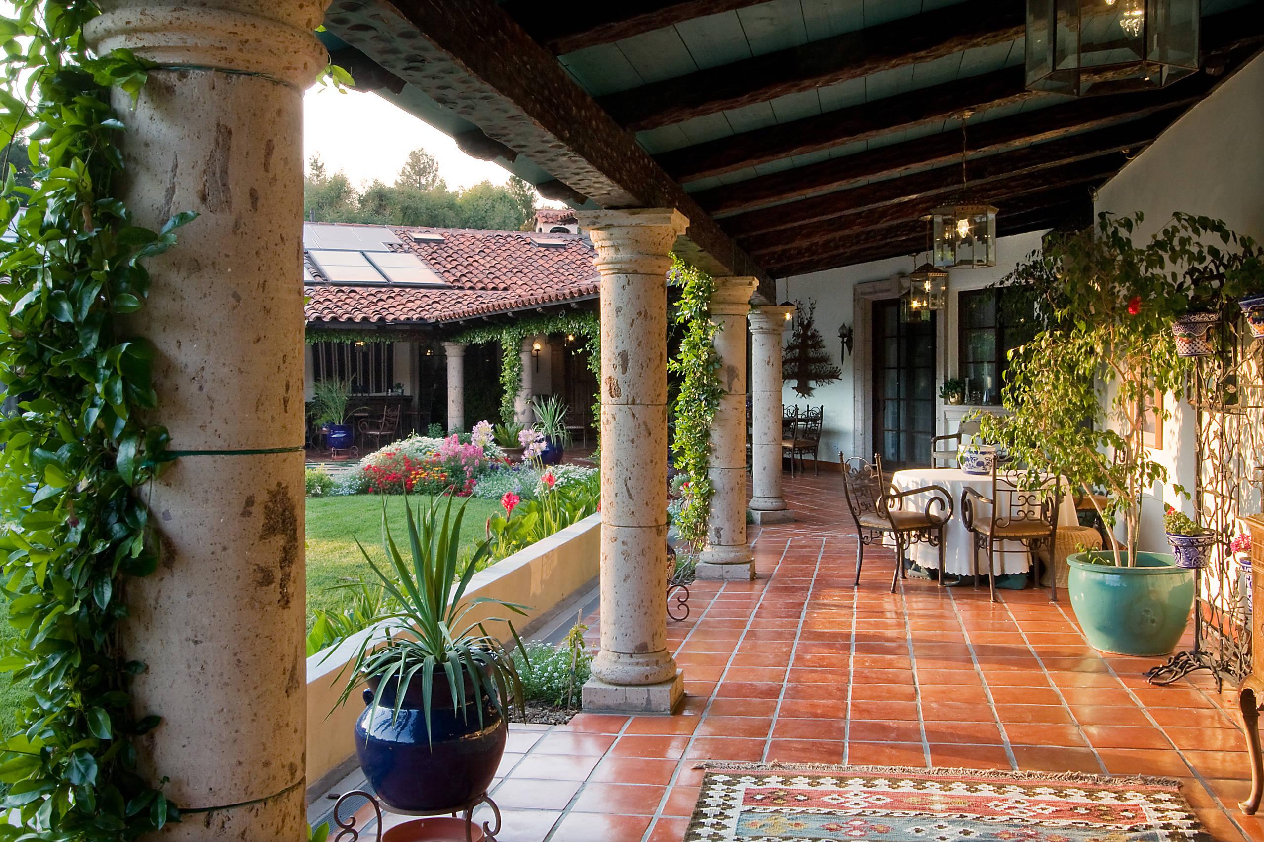 20 Stunning Mediterranean Porch Designs You'll Fall In ... on Mexican Patio Ideas id=94304