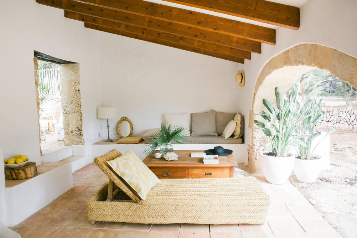 20 stunning mediterranean porch designs you 39 ll fall in - Porches de casas ...