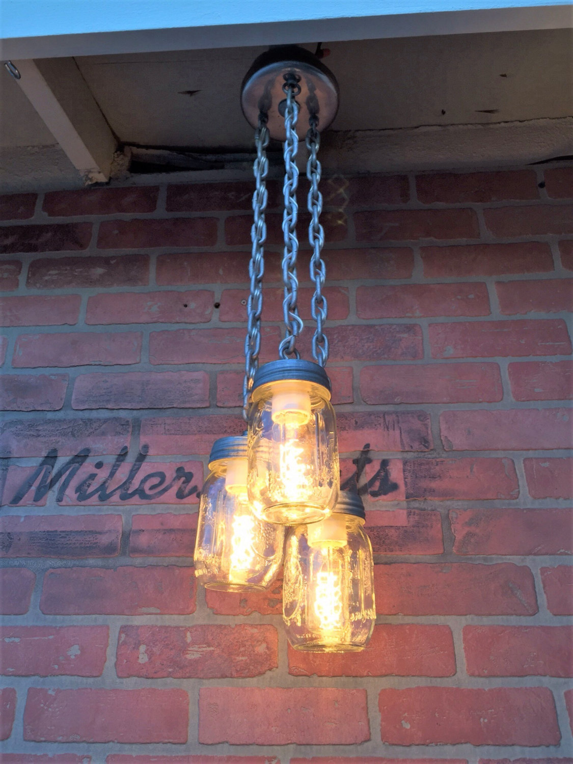 Unconventional handmade industrial lighting designs you can diy 20 unconventional handmade industrial lighting designs you can diy arubaitofo Image collections
