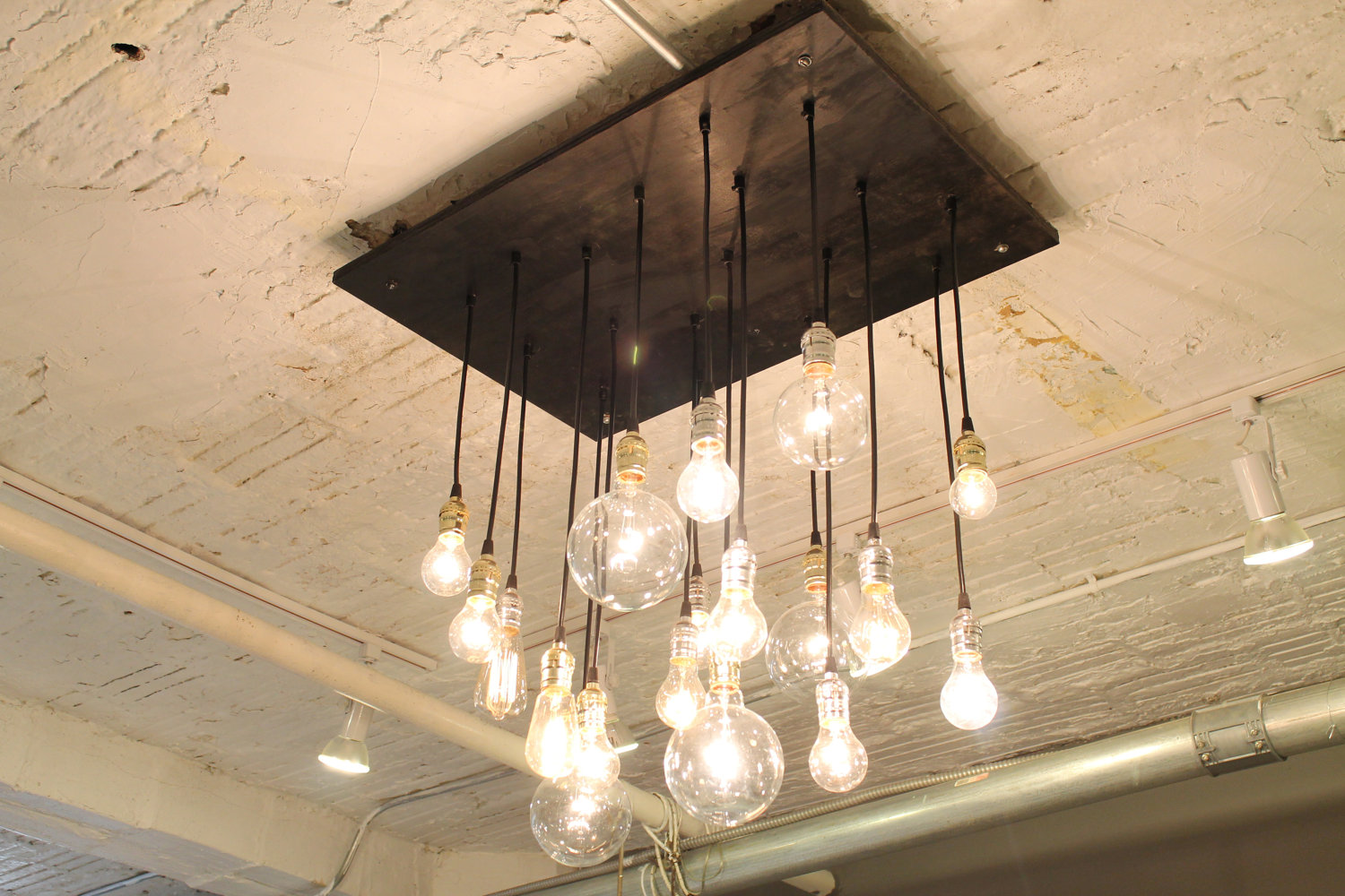 20 unconventional handmade industrial lighting designs you for Industrial design lighting fixtures