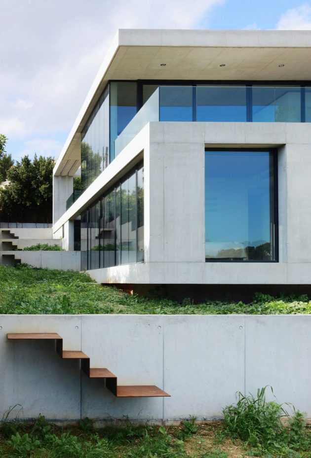 House in Costa d'en Blanes by SCT Estudio de Arquitectura in Mallorca, Spain