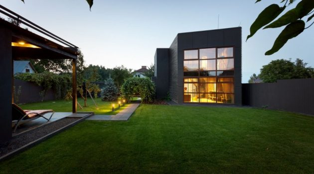 Jack's House – A Minimalist Weekend Home In Kiev By Sergey Makhno