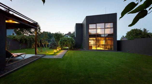 Jack's House – A Minimalist Weekend Home In Kiev By Sergey Makhno