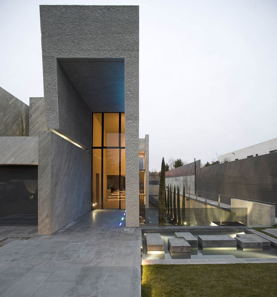The Concrete Open Box House By A Cero In Madrid Spain