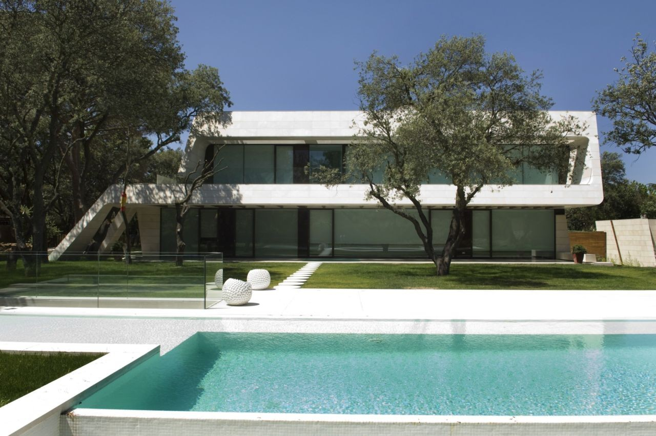 ... Contemporary Architecture Madrid The Contemporary House In Madrid By A  Cero Architects ...
