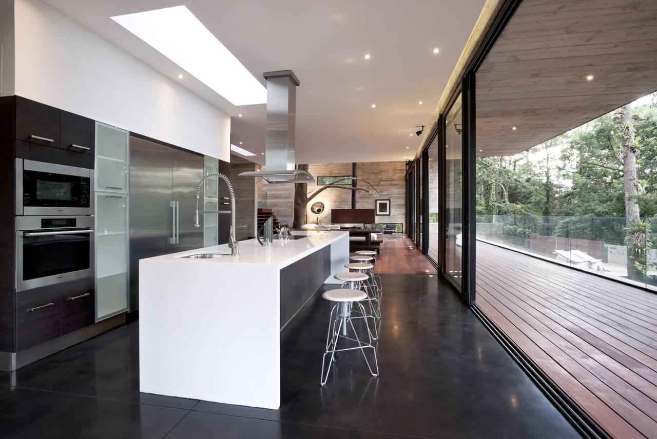 The corallo house by paz arquitectura in guatemala for Casa minimalista guatemala