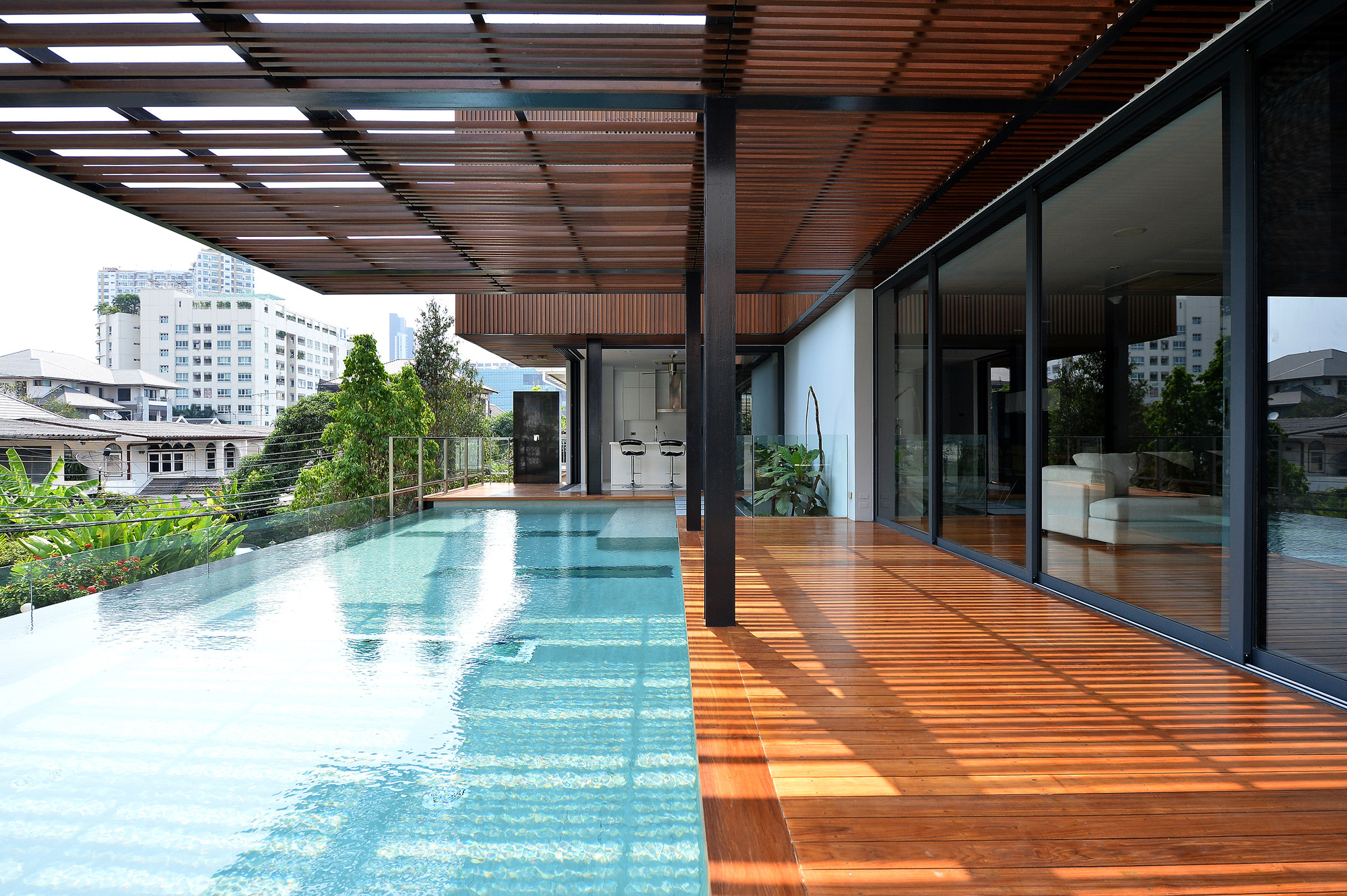 The Eye Catching Joly House By Stu D O Architects In Thailand