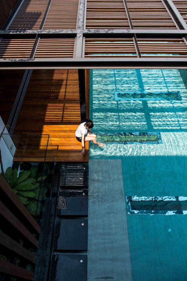 The Eye Catching Joly House by Stu/D/O Architects in Thailand