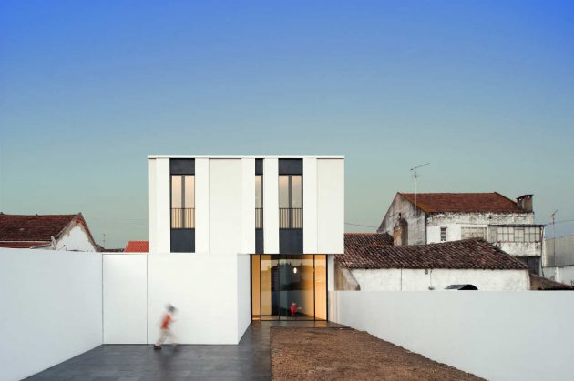 The Jarego House by CVDB arquitectos in Portugal