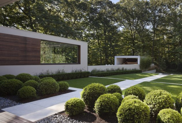 The New Canaan Residence by Specht Architects in Connecticut