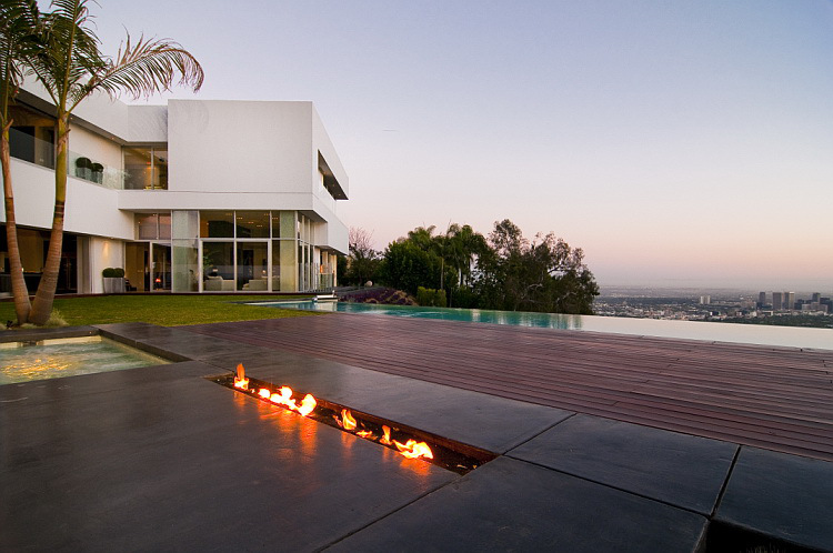 The Nightingale House by Marc Canadell In Hollywood Is All ...