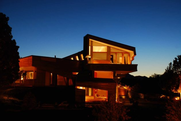 The Ribbon House A Vacation Home by G2 Estudio in Argentina