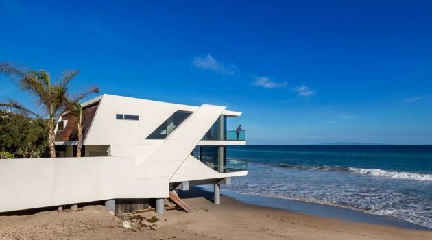 The Wave House by Architect Mark Dziewulski in Malibu Beach, California