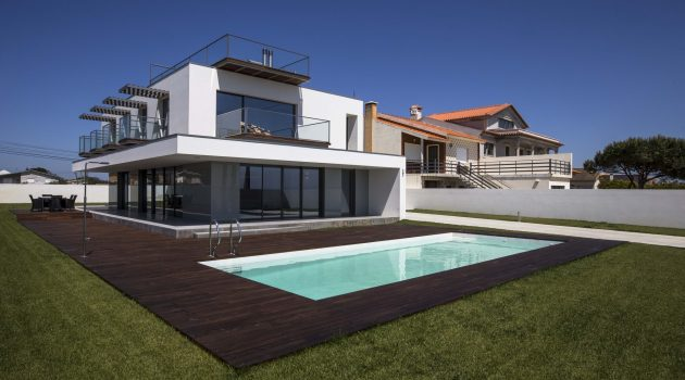 VA House by Atelier d'Arquitectura J. A. Lopes da Costa in Portugal