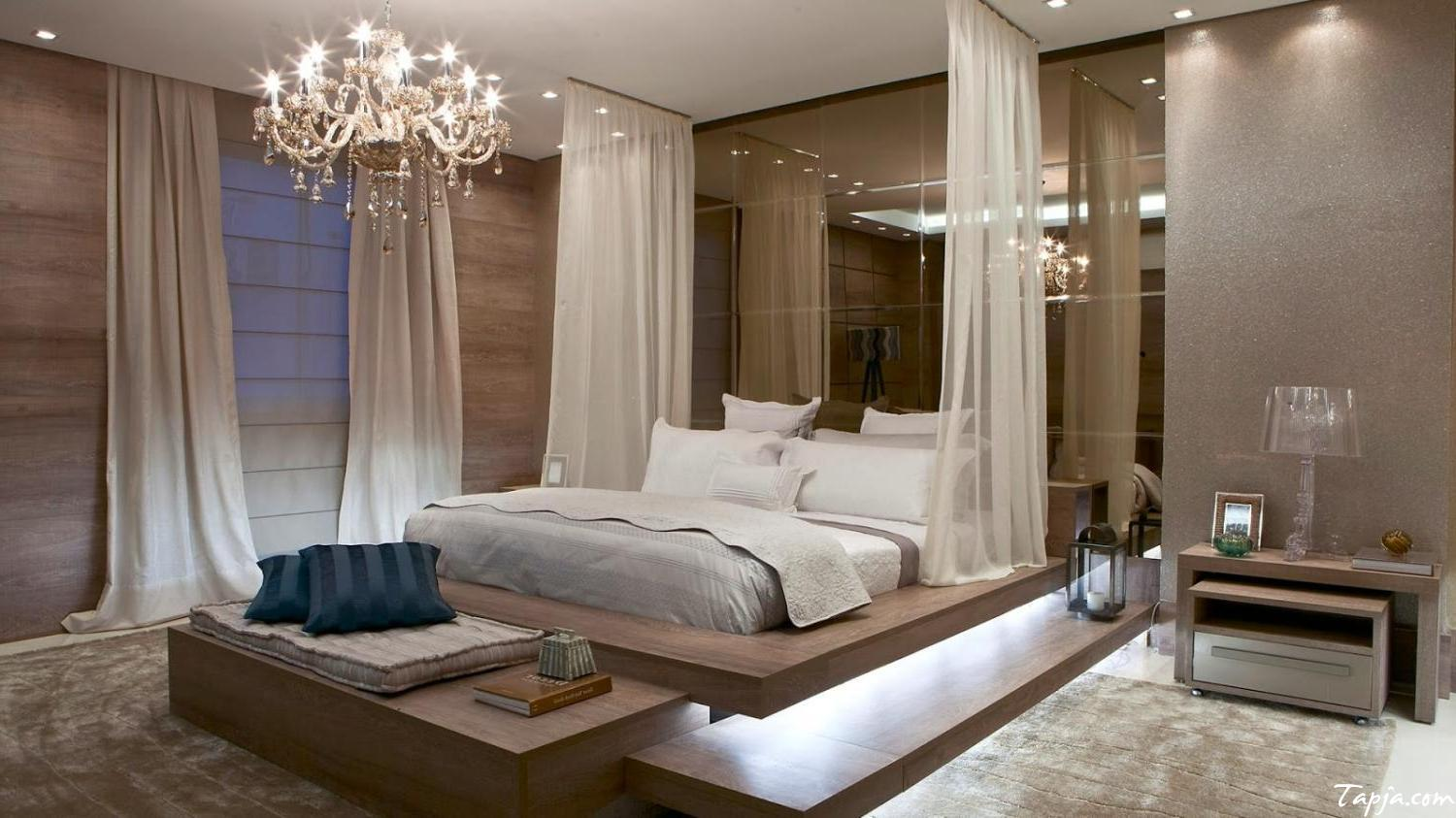 16 Fascinating Bedrooms With Extravagant Chandeliers