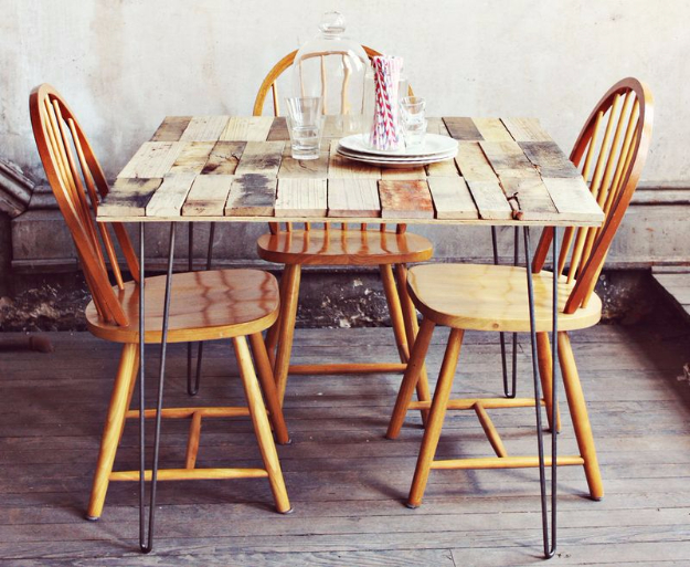 16 awesome diy dining table ideas for Awesome dining table designs